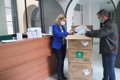 La Junta reparte 82.210 mascarillas en la provincia de Almería