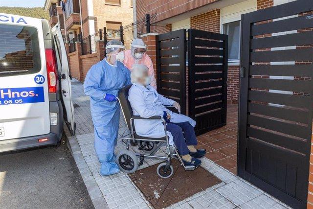 Primeros traslados a la residencia de Meruelo a dependientes con coronavirus procedentes de otras residencias de Cantabria para pasar la cuarentena
