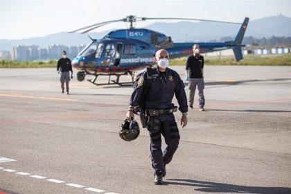 Los Mossos patrullan en helicóptero para hacer cumplir el confinamiento por el coronavirus
