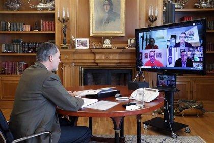 El Rey analiza el impacto de la pandemia con el gobernador del Banco de España