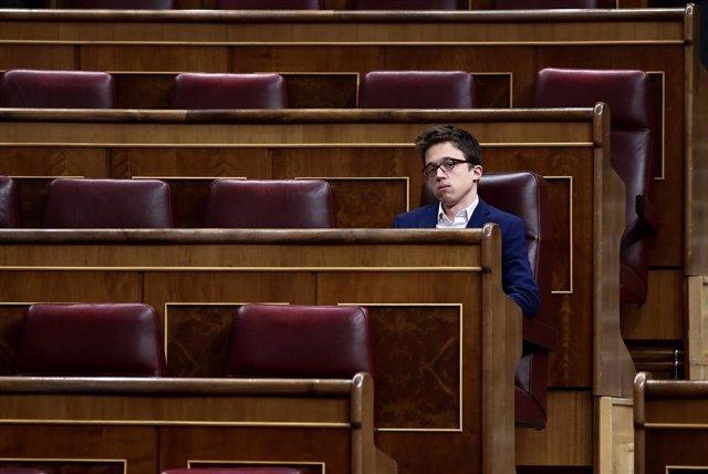 El portavoz de Más País, Íñigo Errejón, durante el pleno extraordinario para explicar la declaración del estado de alarma