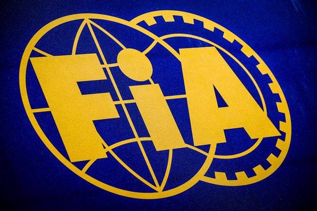 Emblema de la FIA.