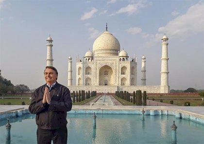 """Bolsonaro anuncia que llegará a Brasil """"materia prima"""" de India para producir hidroxicloroquina"""