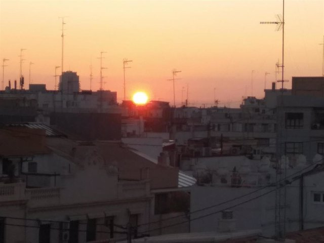 El Jueves Santo amanece con cielos poco nubosos