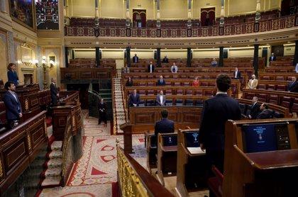 Sánchez comparece por tercera vez ante un Congreso casi vacío