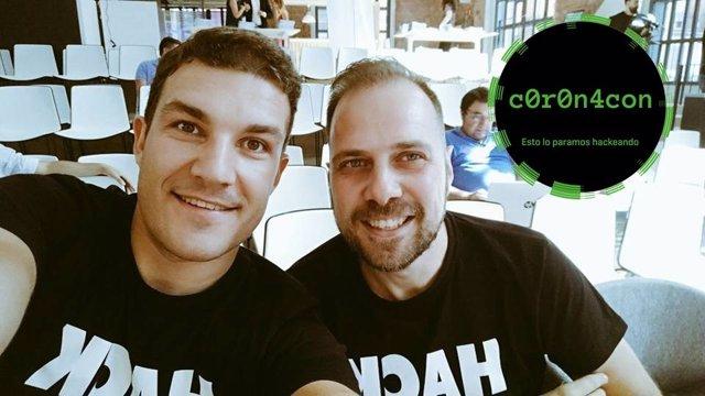 Los expertos en ciberseguridad Eduardo Sánchez y Miguel Ángel Arroyo.