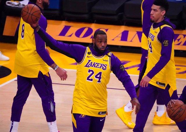 """Baloncesto/NBA.- LeBron James: """"No sé si sería capaz de asumir un cierre en la N"""