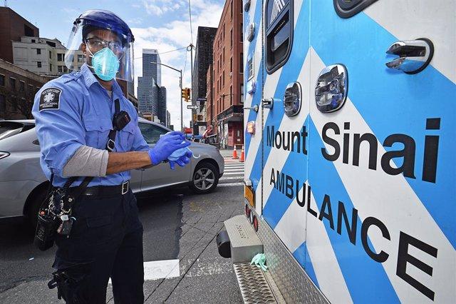 Trabajador sanitario en Nueva York durante la pandemia de coronavirus