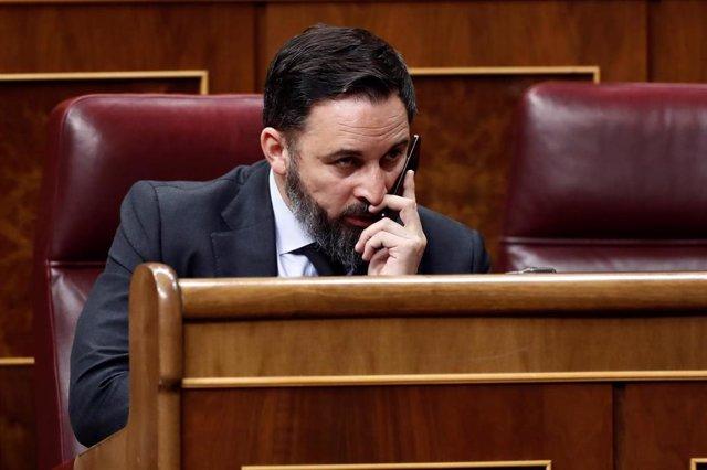 El líder de Vox, Santiago Abascal, durante el pleno celebrado este jueves en el Congreso para aprobar una nueva prórroga del estado de alarma.