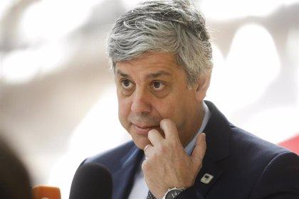 """Centeno ve """"muy cerca"""" el acuerdo en la reunión del Eurogrupo, cuyo inicio se vuelve a retrasar"""