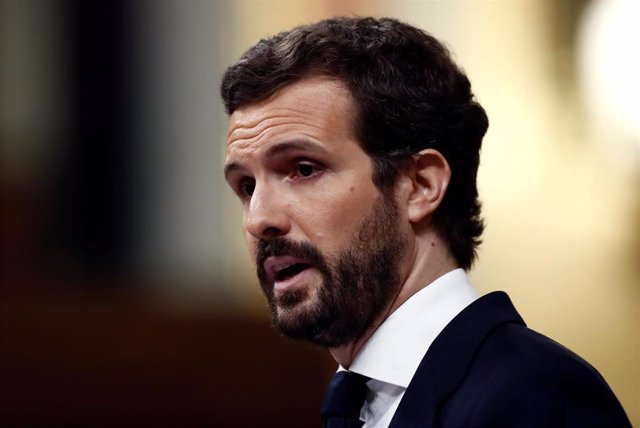 El líder del PP, Pablo Casado, durante su intervención en el pleno del Congreso celebrado este jueves para aprobar una nueva prórroga del estado de alarma. En Madrid, (España), a 9 de abril de 2020.
