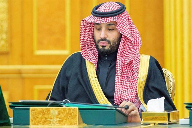 Economía.- La OPEP+ confirma un recorte de 10 millones de barriles al día a la e