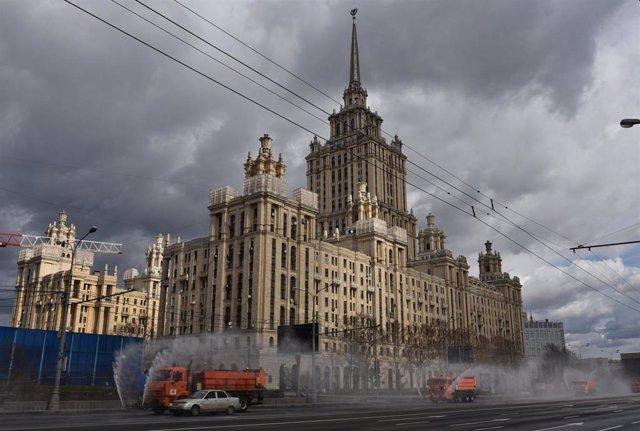 Vista de una calle de Moscú durante la pandemia de coronavirus