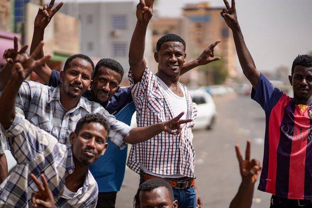 Sudán.- Sudán cumple su primer año tras la caída de Al Bashir con reformas y una