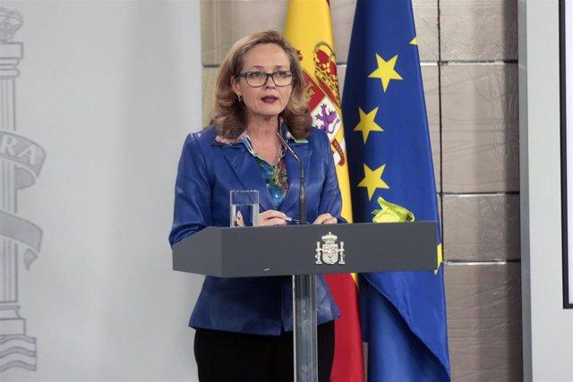 La vicepresidenta tercera del Gobierno y ministra de Asuntos Económicos, Nadia Calviño, comparece en una rueda de prensa para informar sobre la última hora de la crisis del coronavirus en España, en Madrid (España) a 8 de abril de 2020.