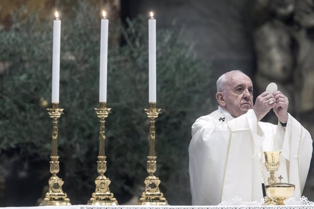 El Papa en la misa de Jueves Santo