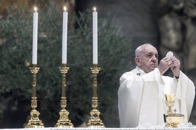 El Papa agradece a los presos las meditaciones del Vía Crucis