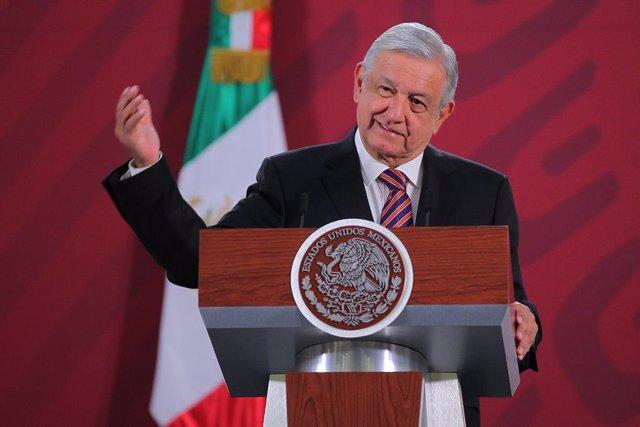 Economía.- México desbloquea el acuerdo de la OPEP+ tras pactar un ajuste de 100