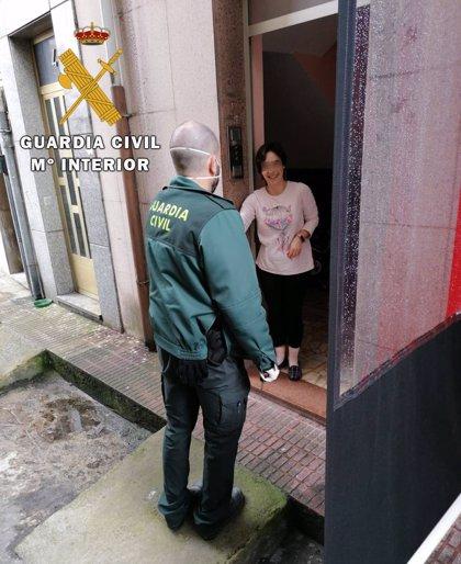 La Guardia Civil reparte medicamentos y material sanitario a diferentes colectivos en pueblos de España