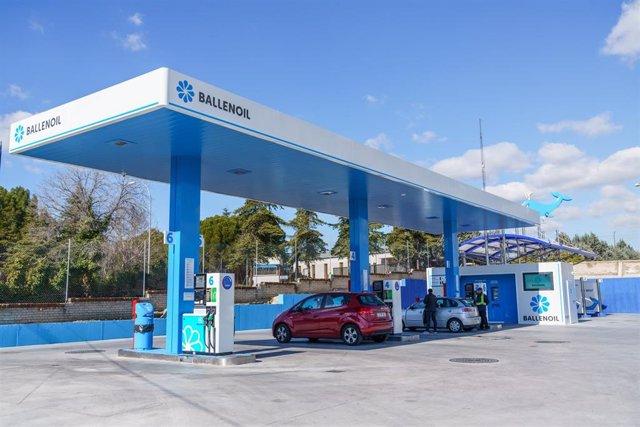 Estación de servicio (gasolinera) de Ballenoil