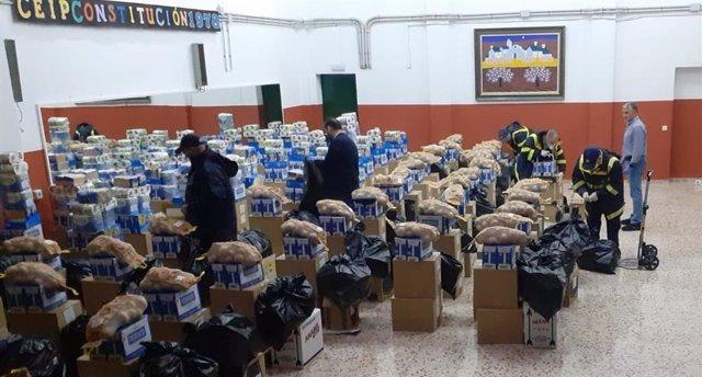 Voluntarios de las áreas de Oficinas y Distribución de Correos en Málaga continúan colaborando con los Servicios Sociales del Ayuntamiento de Málaga..