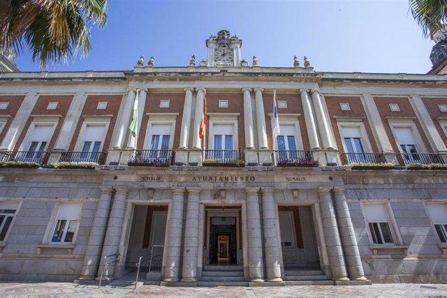 Fachada de la sede del Ayuntamiento de Huelva.