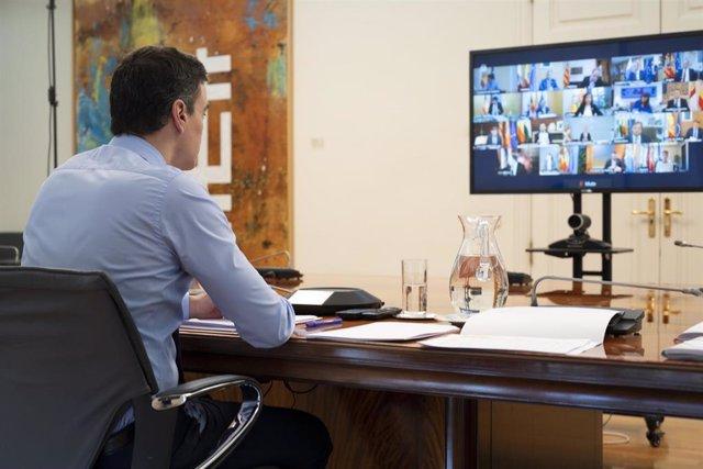 El presidente del Gobierno, Pedro Sánchez, se reúne con los presidentes de las Comunidades y Ciudades Autónomas por videoconferencia, en Madrid (España) a 12 de abril de 2020