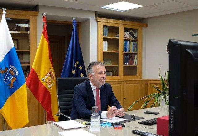 El presidente de Canarias, Ángel Víctor Torrres, durante la reunión de este domingo