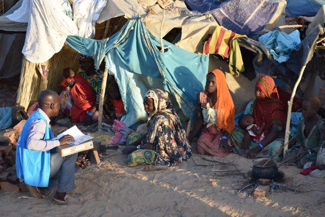 Personal de ACNUR atiende a refugiados sudaneses en Chad
