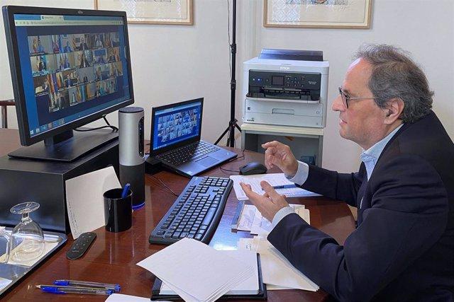 El presidente de la Generalitat, Quim Torra, en la videoconferencia de presidentes autonómicos con el presidente del Gobierno, Pedro Sánchez, a 12 de abril de 2020.