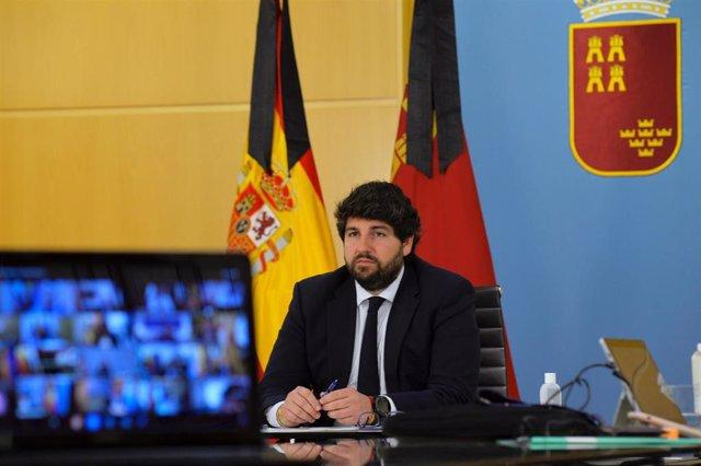 El presidente en la videoconferencia con Pedro Sáchez