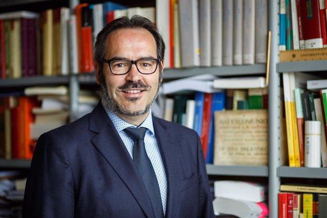 El catedrático de Derecho de la Universidad Pública de Navarra José F. Alenza García