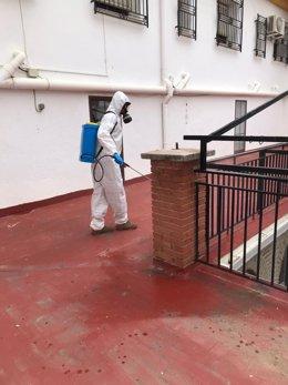 Efectivos del Ejército limpian la residencia de San Diego, en Lorca