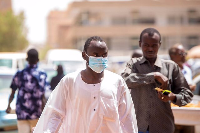 Coronavirus.- Chad declara obligatorio el uso de mascarilla, turbante o velo fre