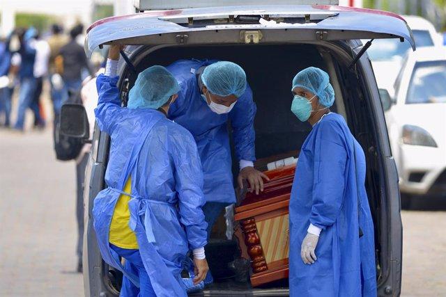 Coronavirus.- Ecuador retira más de 770 cadáveres de viviendas por la crisis del