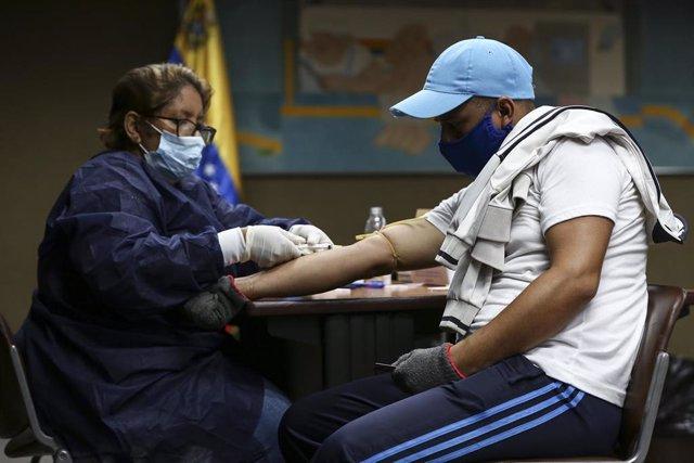 Médicos cubanos en Venezuela durante la crisis del coronavirus