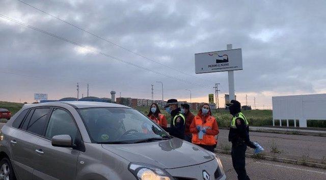 Reparto de mascarillas en Badajoz