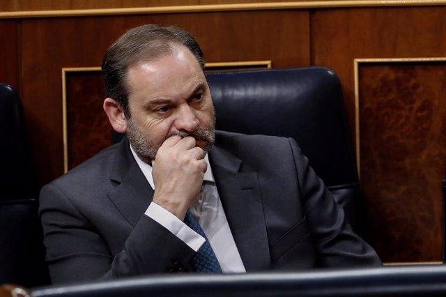 El ministro de Transporte y Movilidad, José Luis Ábalos, durante  un pleno del Congreso.