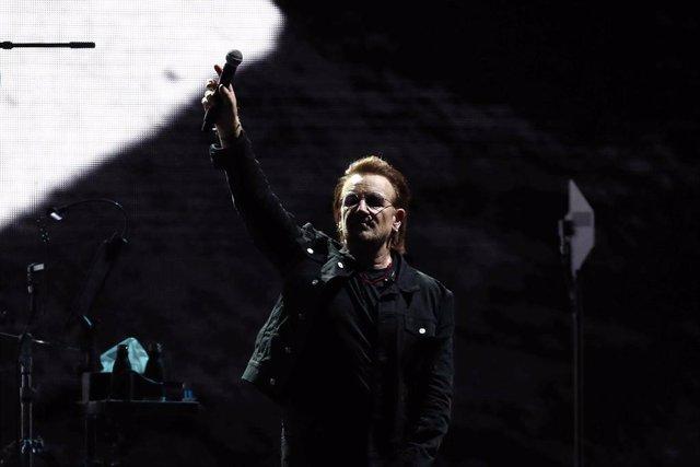 U2 The Joshua Tree Tour 2019 - Seoul    SEOUL, SOUTH KOREA - DECEMBER 08: Bono of U2 performs at the Gocheok Sky Dome on December 08, 2019 in Seoul, South Korea. (Photo by Chung Sung-Jun/Getty Images)