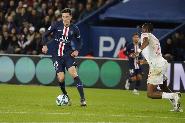 Fútbol.- El alemán Julian Draxler realiza una donación económica a siete clubes