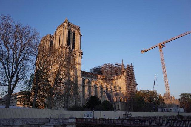 Francia.- Macron reitera su compromiso de reconstruir Notre Dame en cinco años: