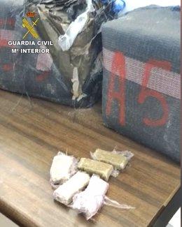 """Remitiendo Np Opc Huelva """"La Guardia Civil Ha Detenido A Tres Personas Que Iban A Transportar Hachís En El Interior De Un Vehículo En Matalascañas"""""""