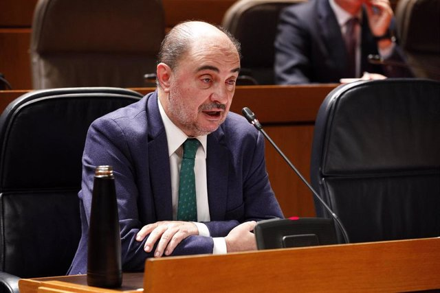 El presidente de Aragón, Javier Lambán, durante su comparecencia ante el pleno de las Cortes de Aragón para hablar de la pandemia del coronavirus.