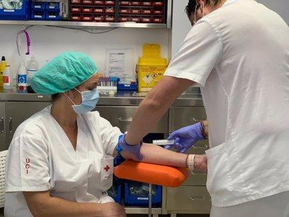 Los laboratorios clínicos privados defienden que sí están colaborando con las autoridades en los test