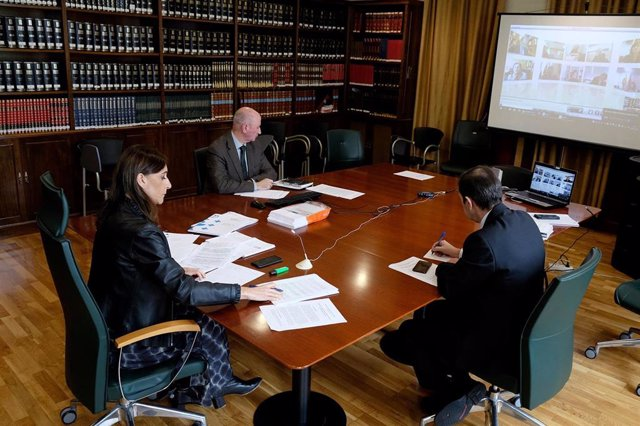 La conselleira de Educación, Carmen Pomar, en la reunión telemática con la ministra Isabel Celaá y las CCAA