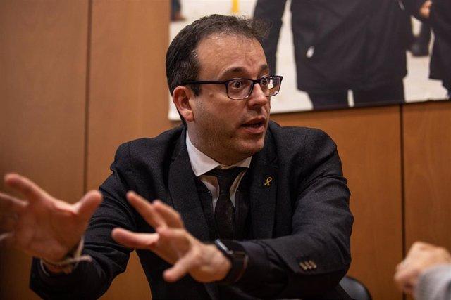 El portavoz del PDeCAT en el Parlament de Catalunya, Marc Solsona, durante su entrevista con Europa Press en Barcelona (España), a 25 de febrero de 2020.