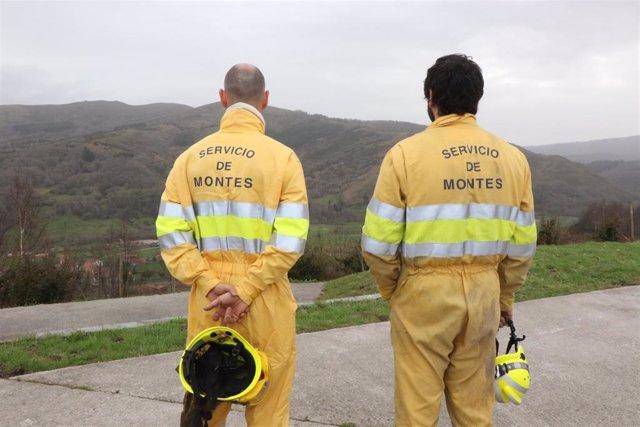 Activos dos incendios forestales de los 11 provocados en las últimas horas en Cantabria