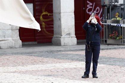 Más del 85% de los españoles permanece en su zona de residencia durante el Estado de alarma, según el INE