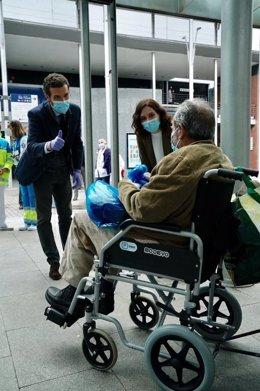 El presidente del PP,  Pablo Casado, visita el hospital de campaña de Ifema junto a la presidenta de la Comunidad de Madrid,  Isabel Díaz Ayuso. Madrid, 16 de abril de 2020.
