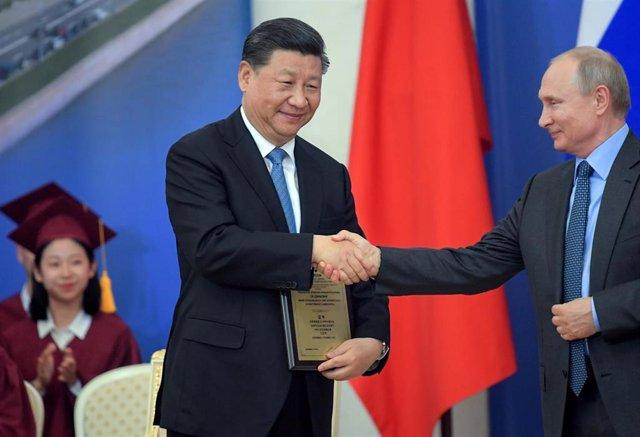 Los presidentes de China, Xi Jinping, y Rusia, Vladimir Putin